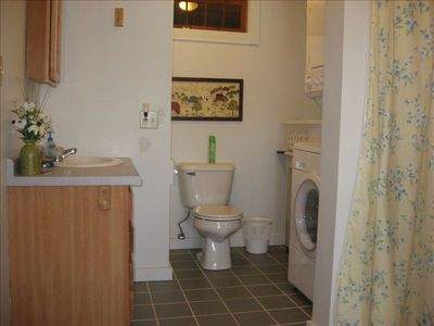 Bathroom, with tub/shower and washer/dryer