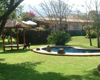 Tepoztlan house rental - Swimming pool and gazebo
