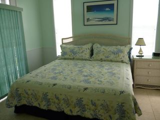 Green Turtle Cay house photo - Bedroom with king size bed