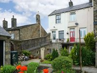 PASTURE COTTAGE, character holiday cottage in Embsay, Ref 2082