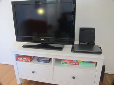Flat screen, DVD, I Pod Dock