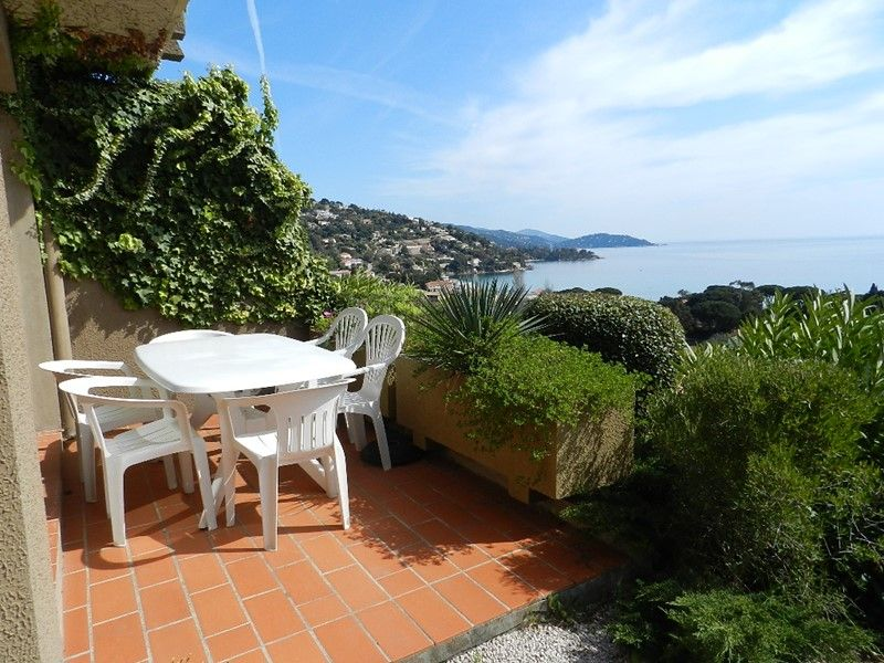 LAVANDOU / SAINT CLAIR - T2 cabin with beautiful sea view!