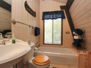 Big Bear Lake cabin photo - Master bath