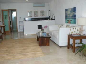 Uxmal Suite Lounge