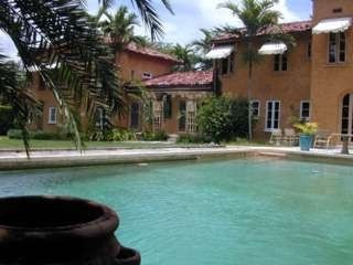 Coconut grove rare find 1920 39 s 39 la homeaway for Leslie pool garden grove