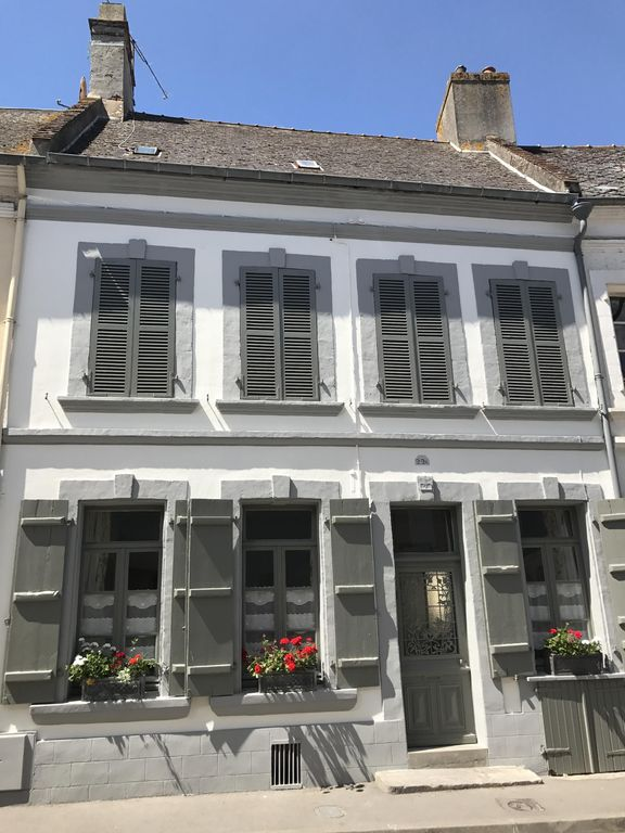 Charming townhouse in beautiful Montreuil-Sur-Mer 50 mins from Calais