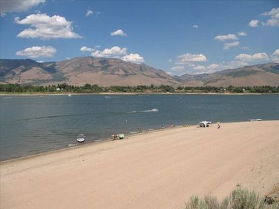 Direct access to Pineview lake and beach