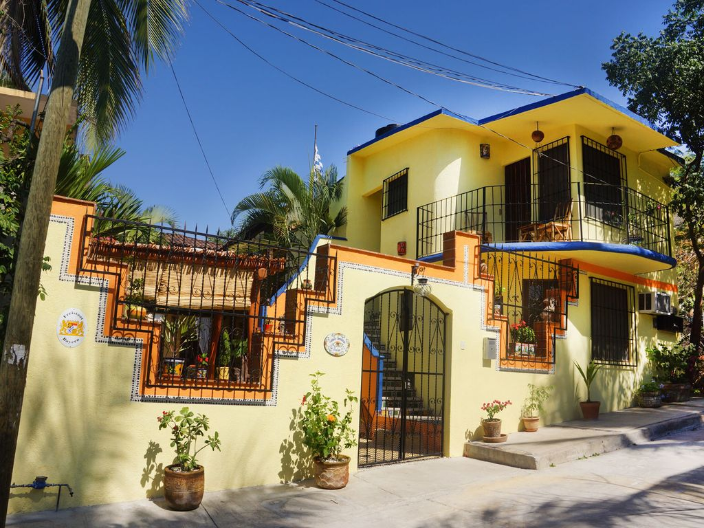 Small romantic hotel with mexican charm vrbo for Small intimate hotels