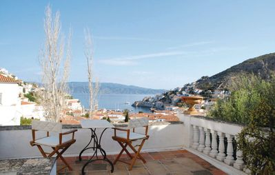 2 bedroom accommodation in Hydra