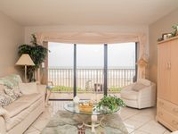 Direct Oceanfront Condo in the heart of Cocoa Beach