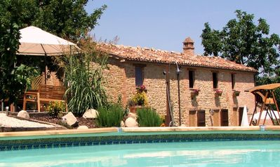 Beautiful Self-Catering Farmhouse Apartments Near Amandola Le Marche With Pool