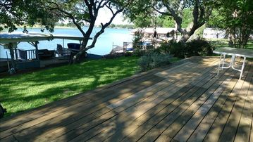 Large deck and right on the lake