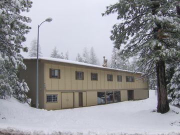 Camp Connell lodge rental