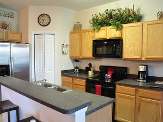 Oakwater townhome photo - Kitchen with Brand new Ice Maker Refrigerator