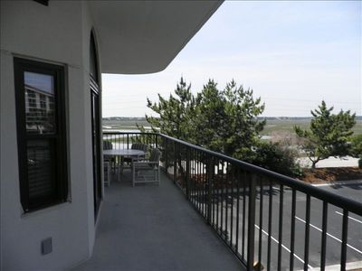 Side Balcony
