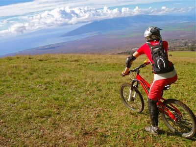 Just 10 minutes to incredibly scenic upcountry mountain biking