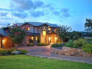 Spicewood estate photo - Welcome to Kahala Sunset Lodge- The Answer for Your Vacation