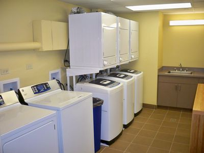 8 Free Washers & 8 Free Dryers for the Guests of the Owners on Private Floors !!