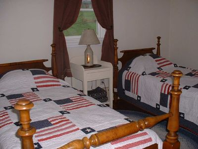 bedroom decorated in americana style