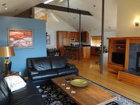 Stunning, Modern Alki Beach View Home