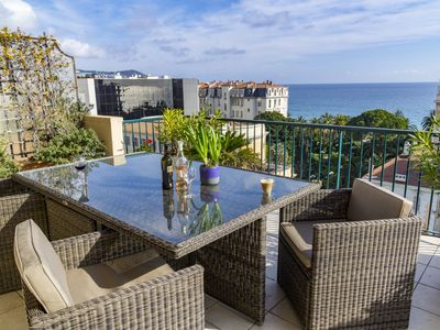 Sunny spacious apartment with large terrace and seaview