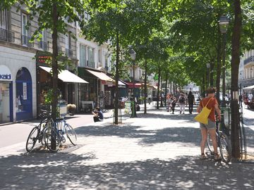 Area with lots of pedestrian streets