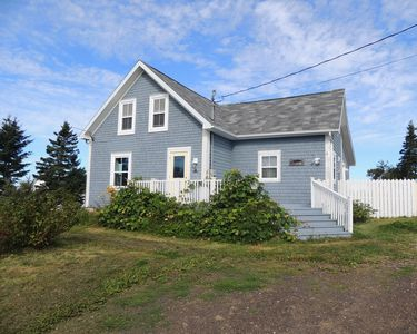 Family friendly farm on 6 acres of peace and quiet overlooking the Bay of Fundy
