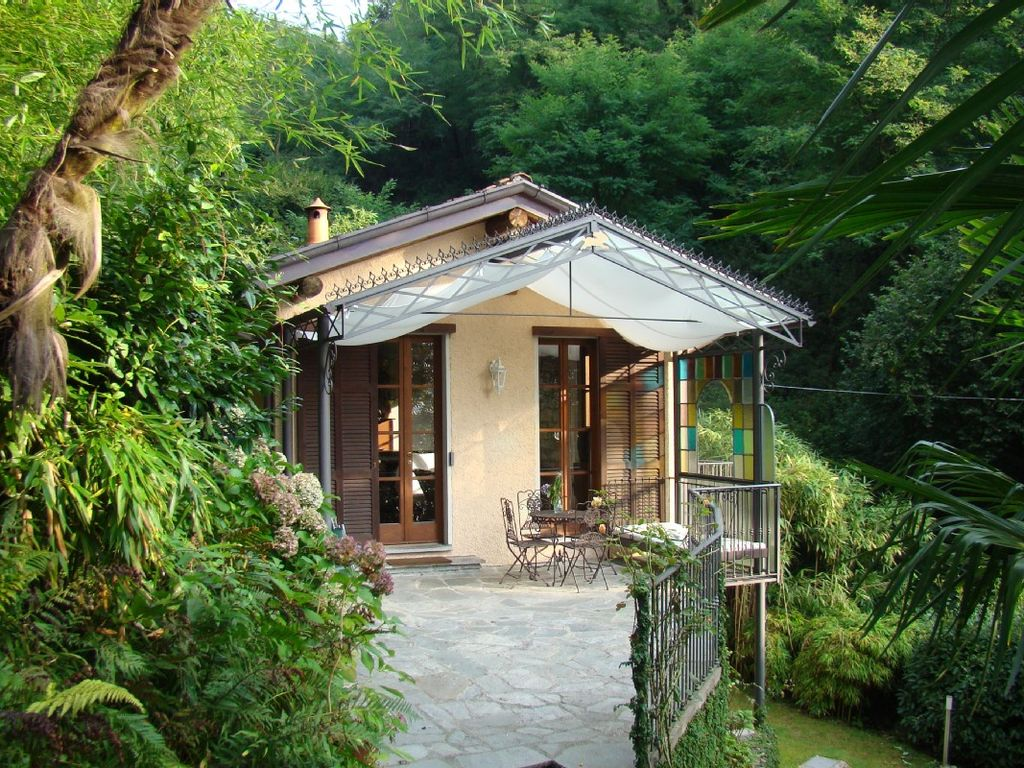 Holiday house, close to the beach, Griante, Lombardy
