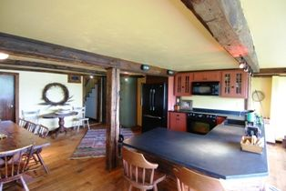 LARGE Kitchen/Dining Area Overlooking The River