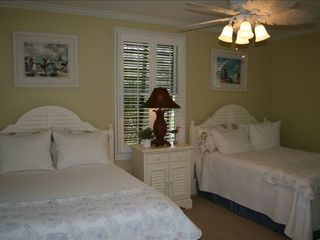 St. Simons Island house photo - Guest Bedroom with two Full Beds