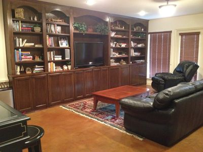 Spicewood house rental - View of walk out basement family room
