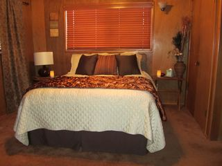 Idyllwild cabin photo - A warm and cozy bedroom