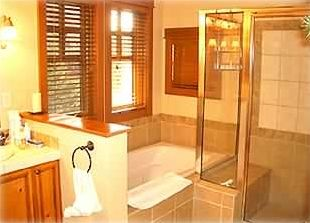 Master bath-after a day on the slopes enjoy a soak in your own Jacuzzi tub!