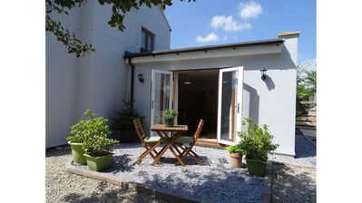 Modern self contained 2 bed cottage in a rural village location