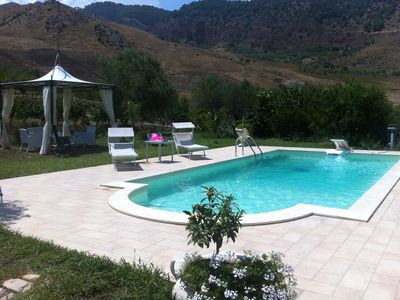 Holiday home with swimming pool between sea and mountain surrounded by nature.
