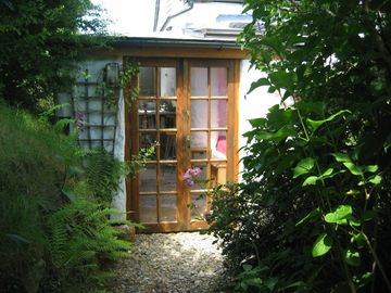 Trallwyn Bach Cottage Studio perfect hideaway...