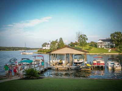 Lake Greenwood house rental - Party at the dock