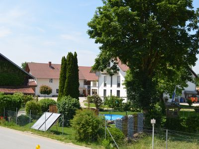 Light, friendly apartment with private garden, directly on the Danube Cycle Path