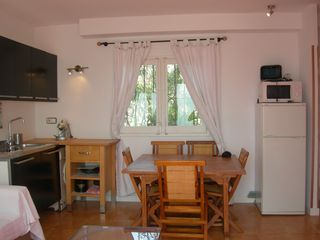 Sitges Town apartment photo - Apt4-TERRACE OF THE SEA: Kitchen and dining