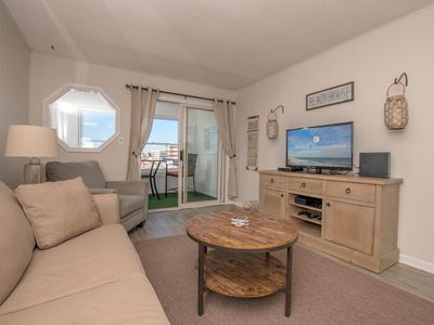 Adorable 2 BR 2 BA Bayfront property is close to popular restaurants, activities & the beach