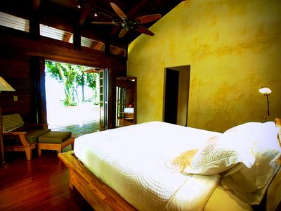 Ocean view Vista Ballena has a king bed, ceiling fan, AC and private bath