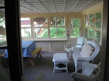 cottage sceened porch