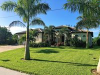 2014 Luxury villa, TOP SW position on the canal, south exposure, pool with jacuzzi