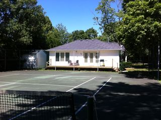 Niagara-on-the-Lake house photo - Tennis anyone right in your backyard