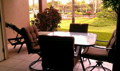 Extra Large Lanai with Fountain and Ocean Views - All new outdoor furniture!