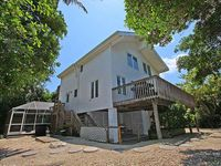 Beautifully Updated, 4 Bedroom Pool Home, 50 Yards to the Beach!! Captiva Escapade
