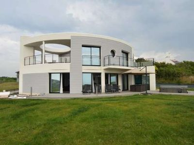 House, 255 square meters, close to the beach