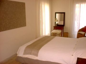 Eneas Guest Bedroom 1