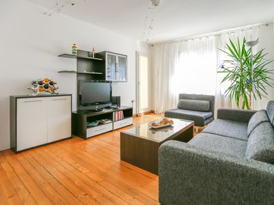 Excellent location & full equipped - 2.5 rooms in the city incl. parking & linen