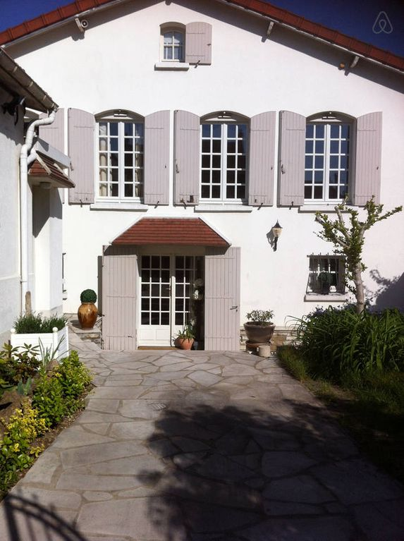 Holiday house, 130 square meters , Choisy-le-roi, France